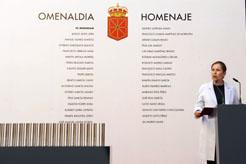 La Presidenta Barkos, junto a los nombres de los homenajeados