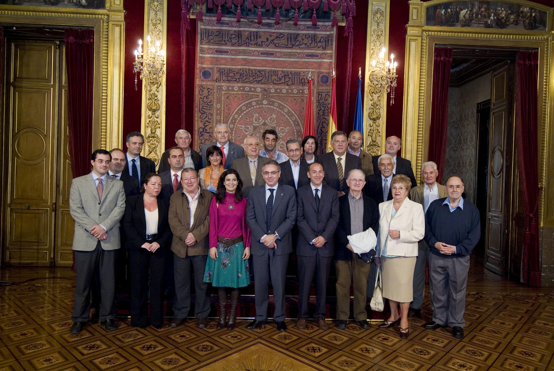 El presidente sanz recibe al nuevo consejo navarro de for Sala 0 palacio de la prensa