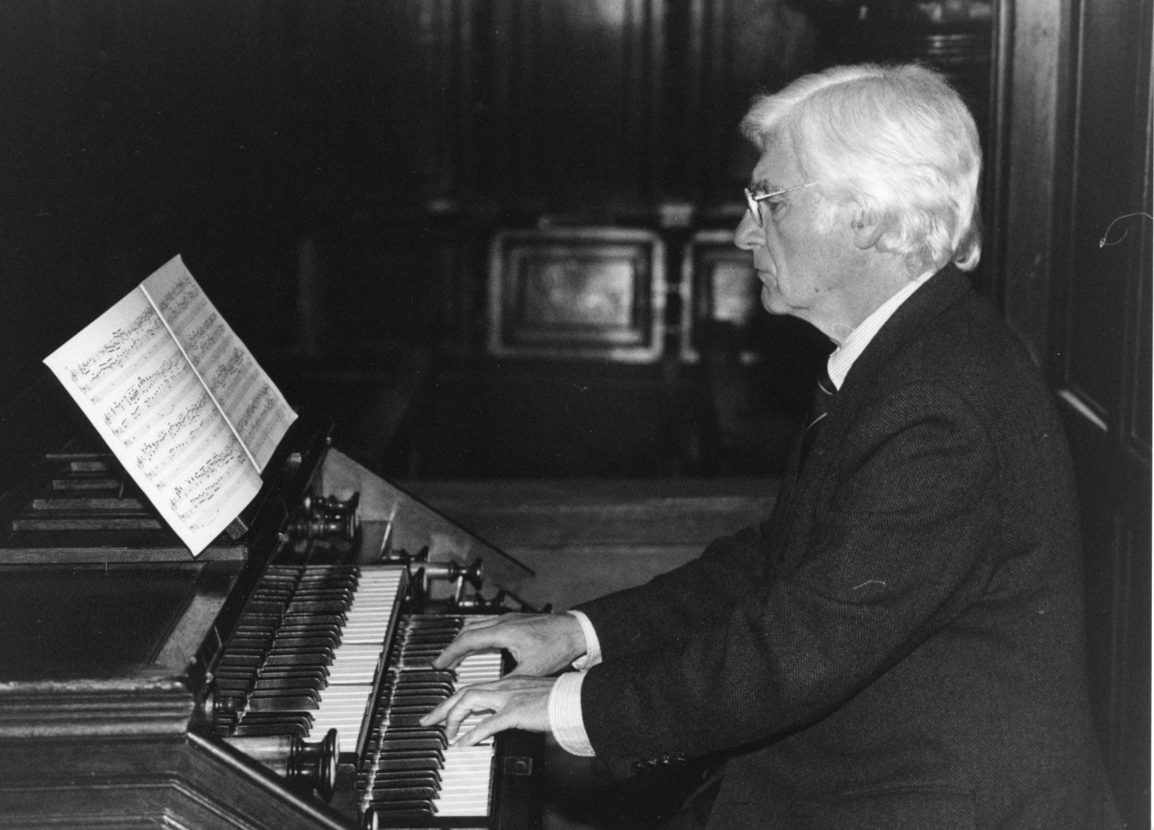 El organista jos manuel azkue ofrece hoy en la catedral for Concierto hoy en santiago