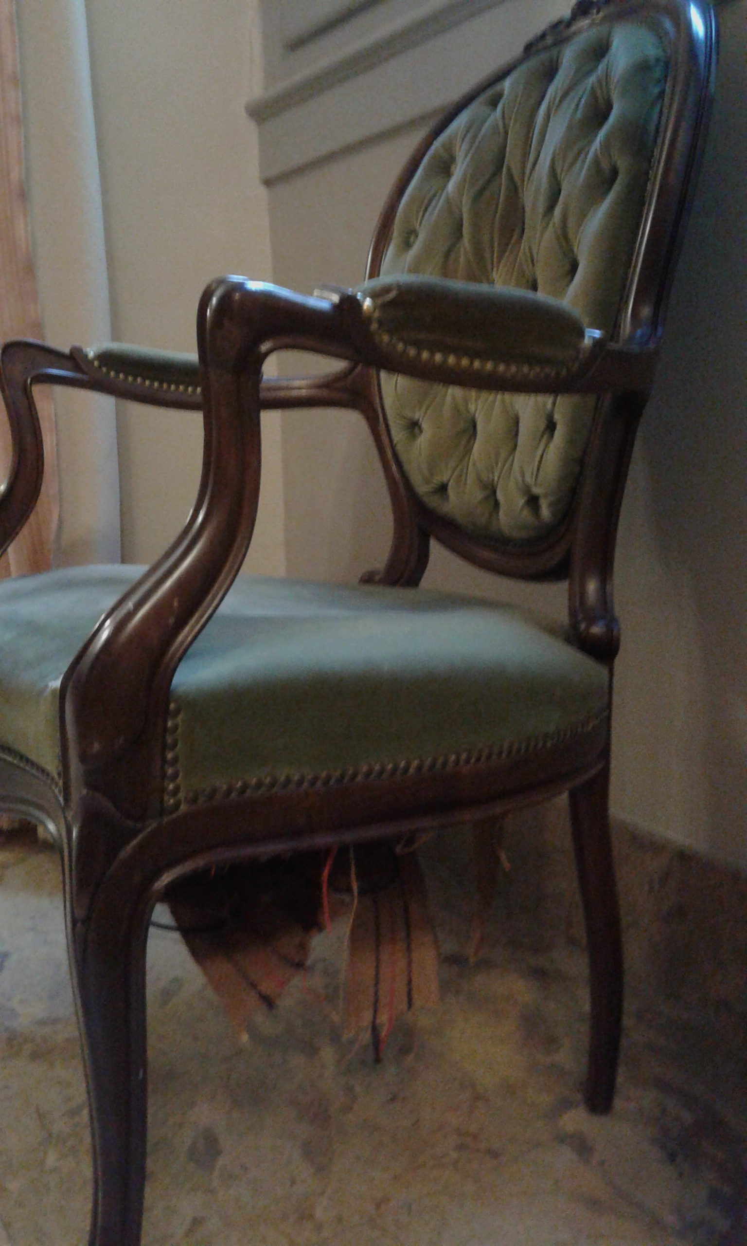 El tajo de tapicer a de pamplona restaura 14 sillas del - Tapiceria de sillas ...