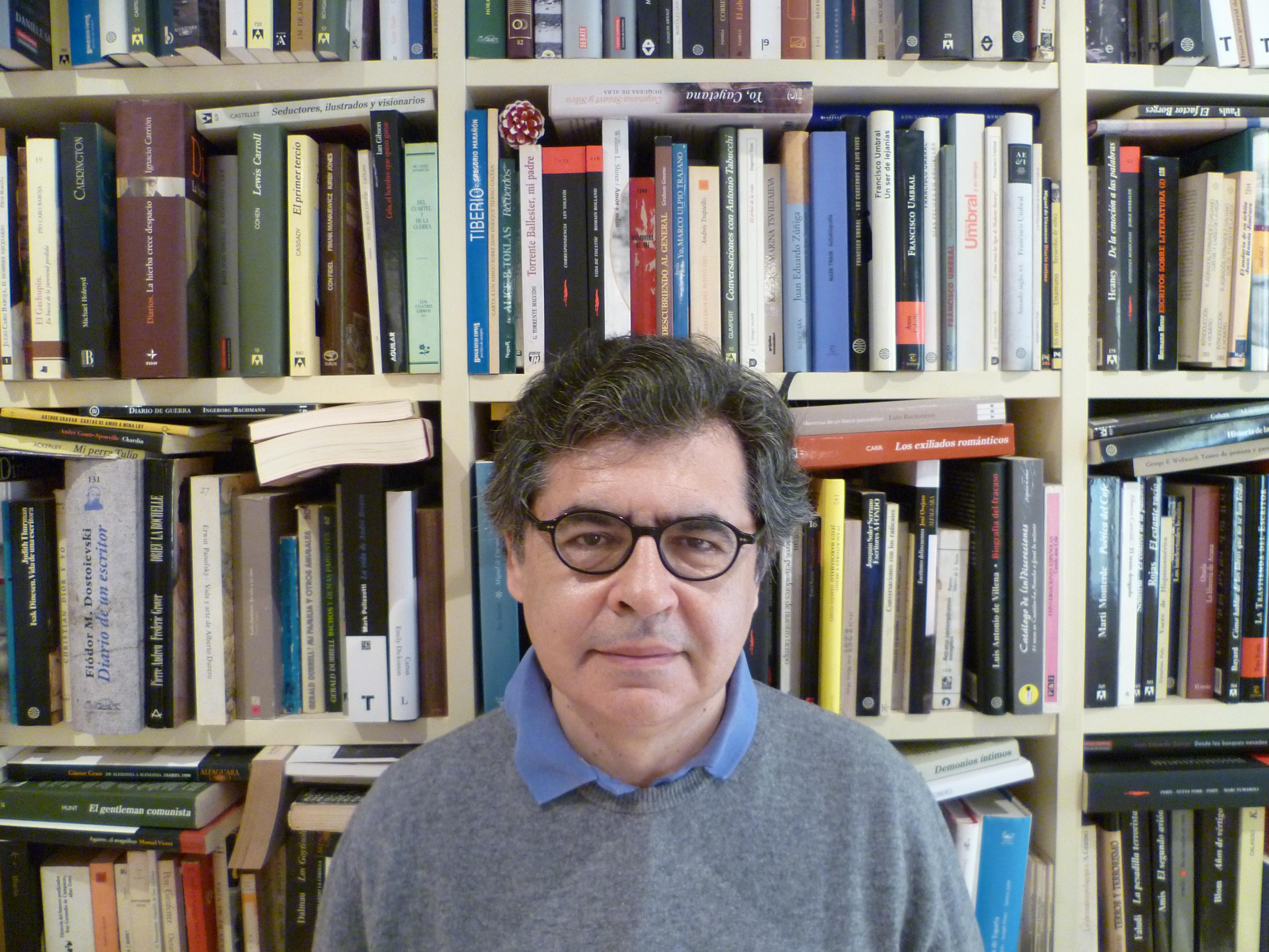 El periodista escritor y guionista de cine manuel hidalgo premio francisco de javier 2014 for Javier ruiz hidalgo