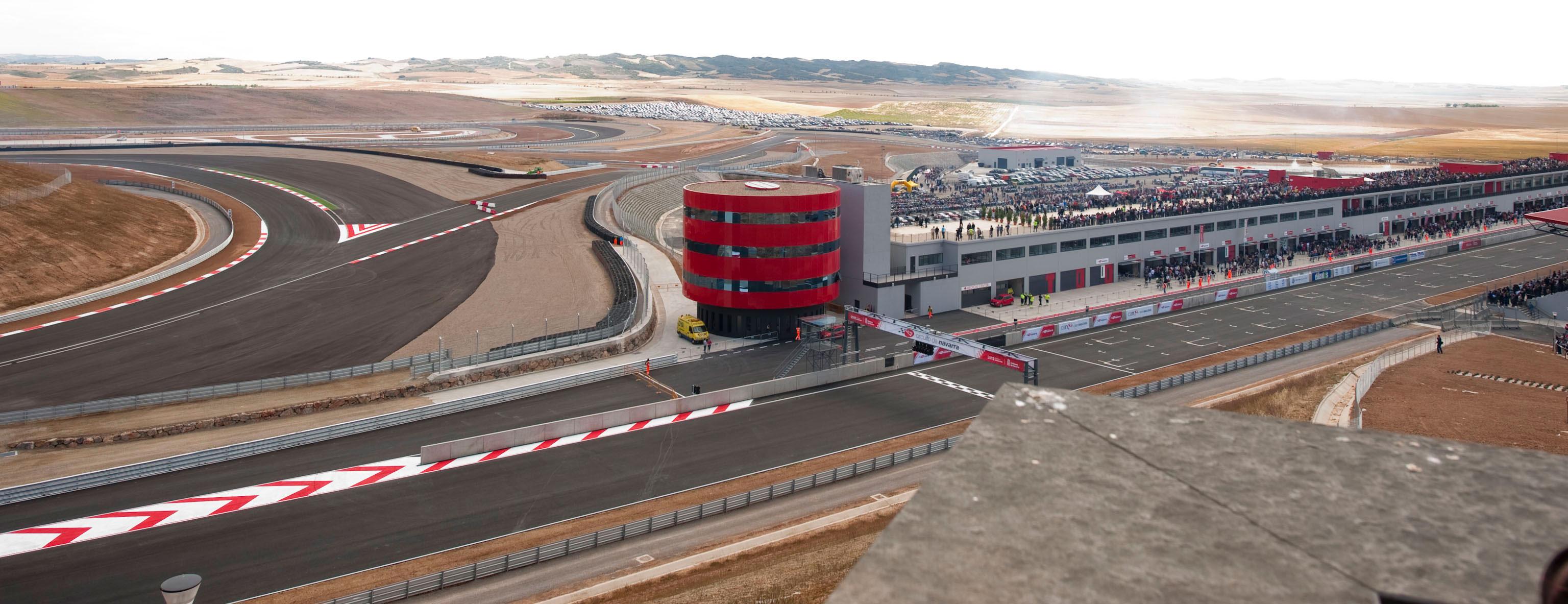 Circuito Navarra : El presidente sanz inaugura en los arcos el circuito de navarra