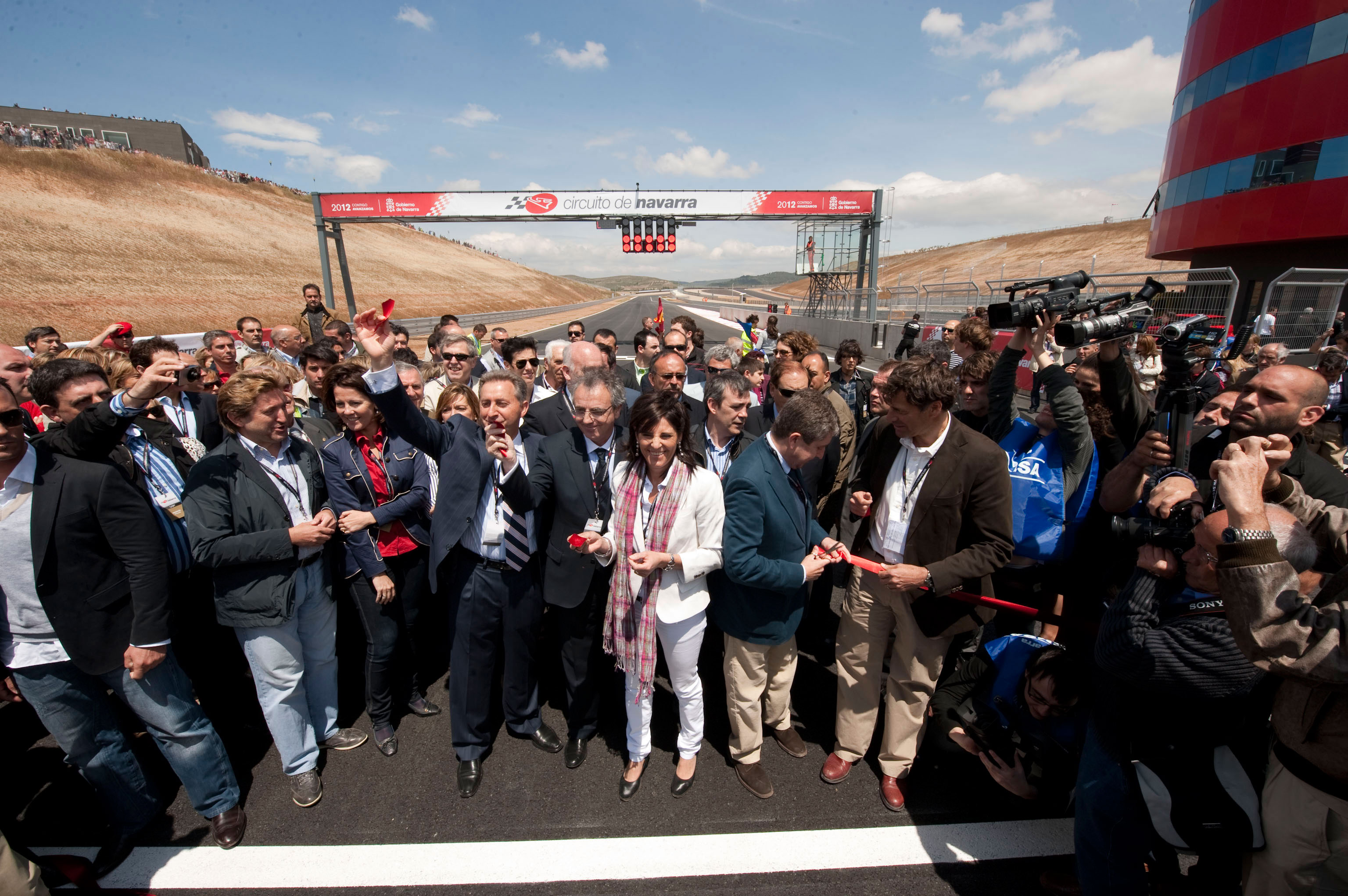 Circuito Los Arcos : El presidente sanz inaugura en los arcos el circuito de navarra