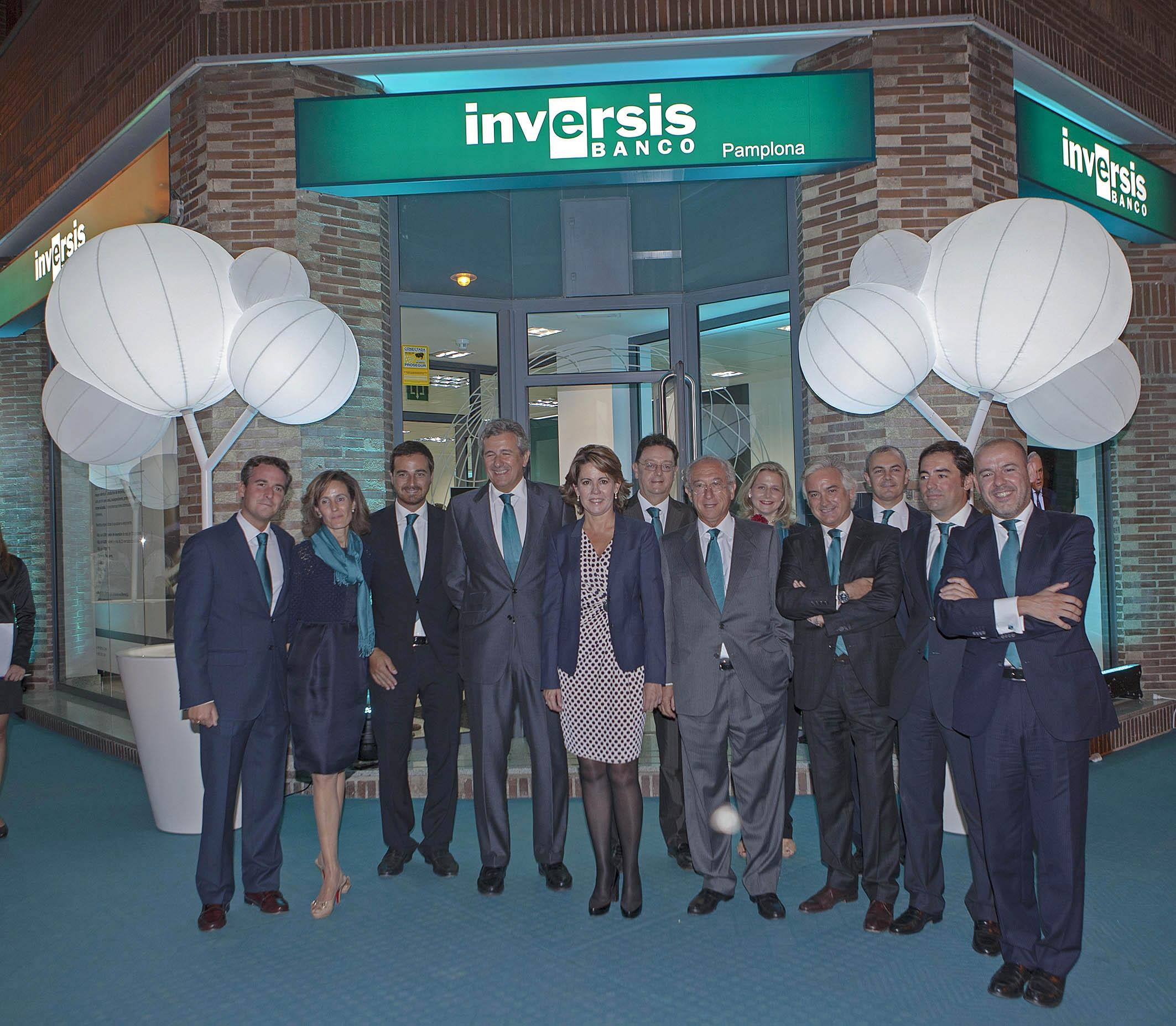 La presidenta barcina asiste a la inauguraci n de la nueva for Oficinas banco popular pamplona