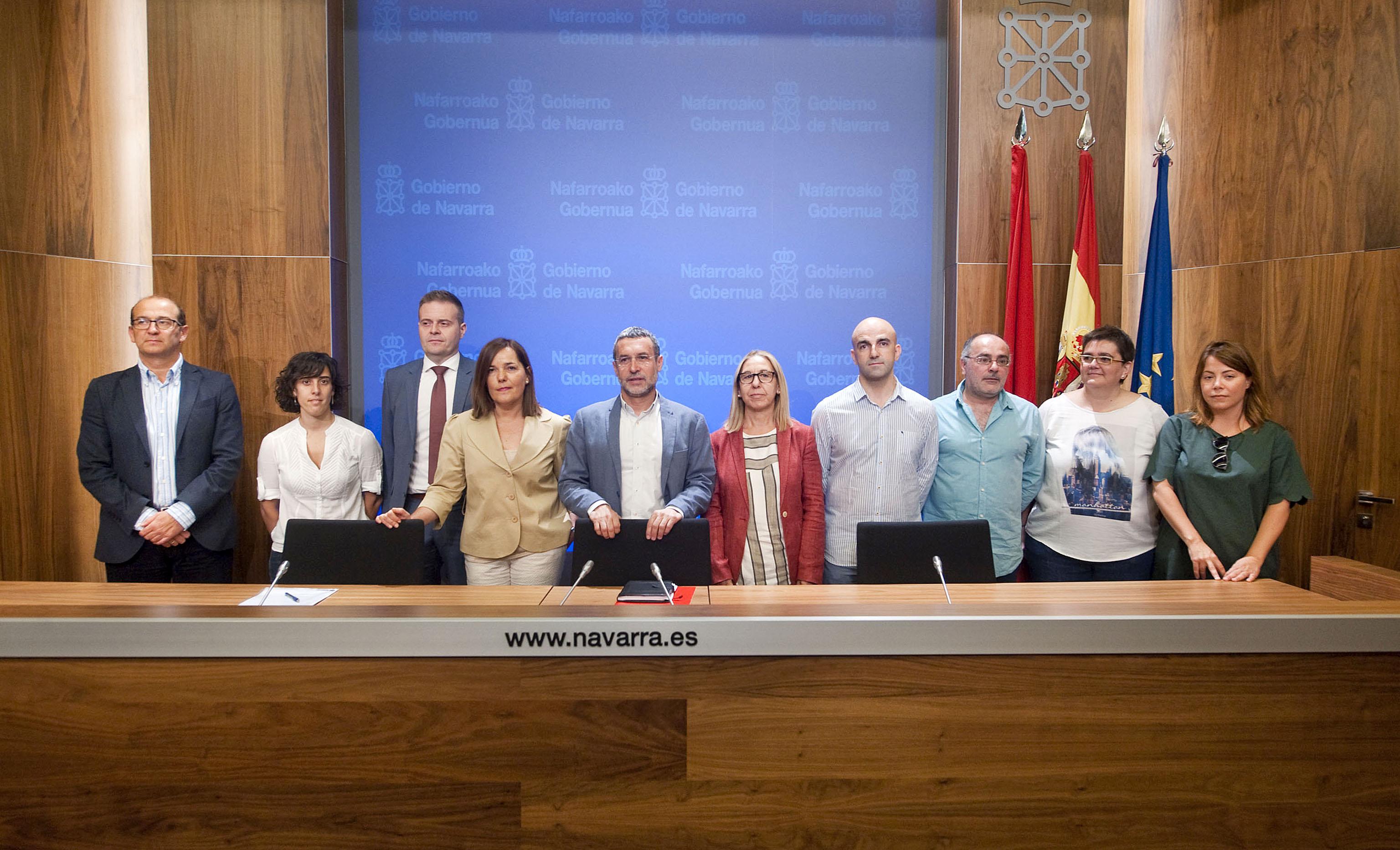 El vicepresidente Laparra junto a representantes de entidades impulsoras y colaboradoras del proyecto ERSISI - 2016-08-12