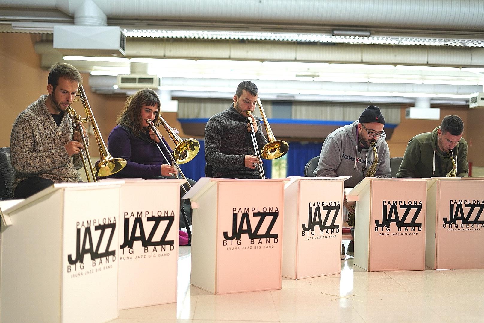 Músicos en uno de los talleres.