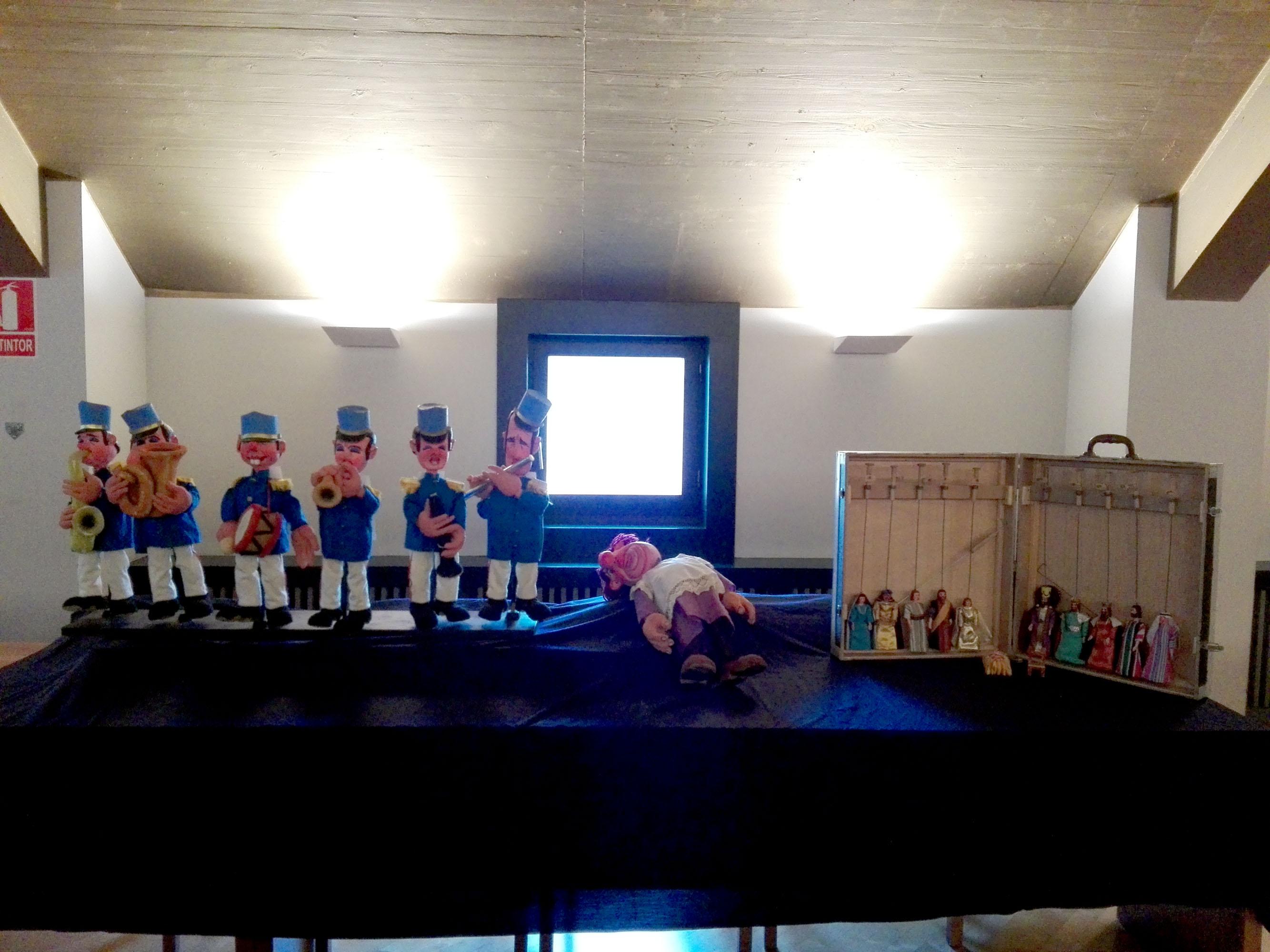 La familia Faro-Bueno dona el fondo Retablo de Figurillas al Gobierno navarro