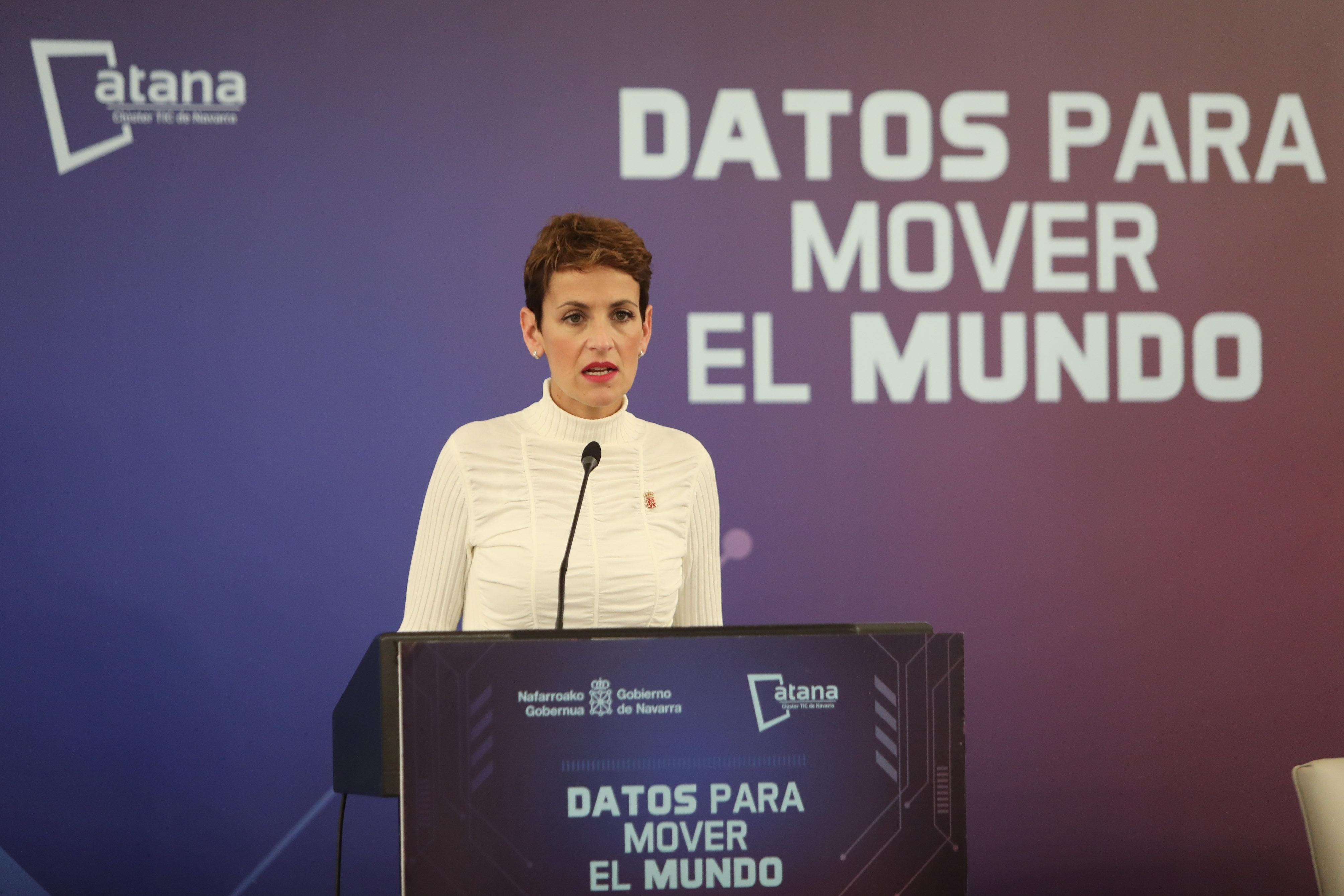 Chivite se compromete a trasladar la transformación digital a la sociedad