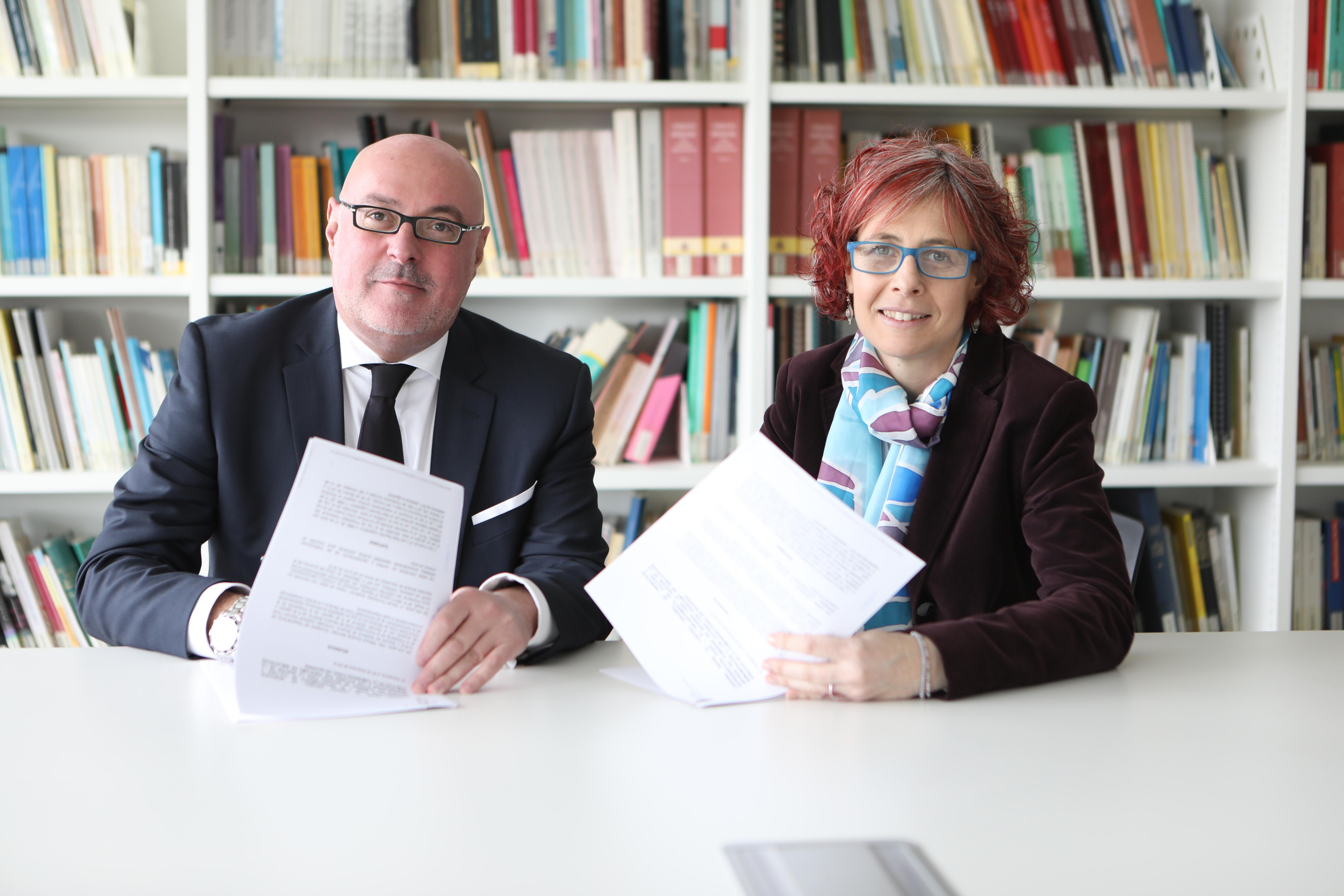 Cultura firma un convenio para remunerar a autores y autoras por el préstamo de obras en las bibliotecas navarras