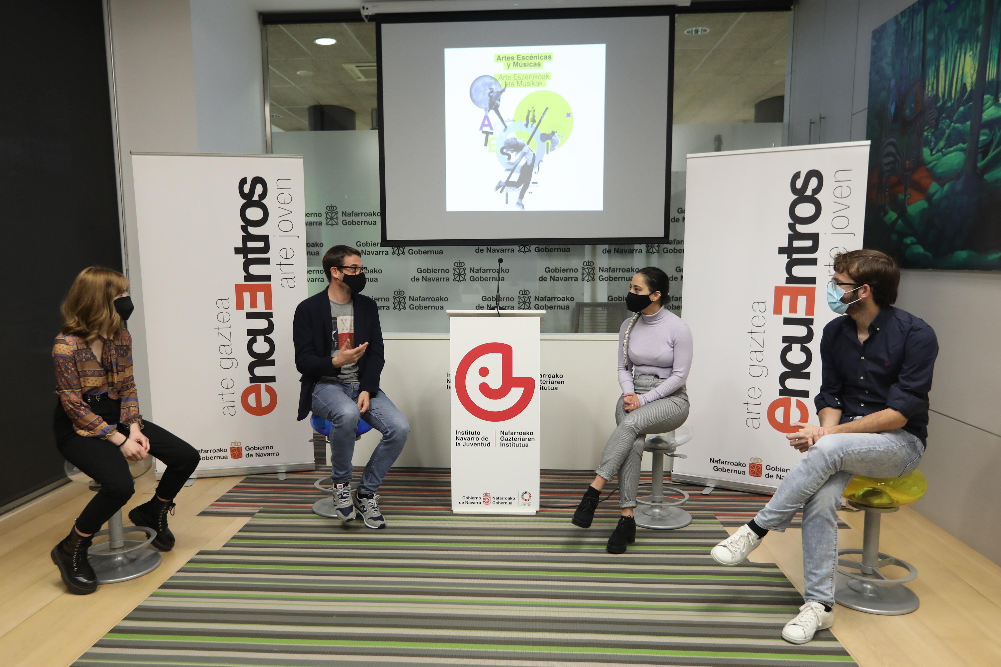 Presentación de los Encuentros 2021, con tres de las personas ganadoras en la edición anterior.